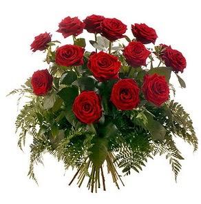 Gölbaşı çiçek siparişi yurtiçi ve yurtdışı çiçek siparişi  15 adet kırmızı gülden buket