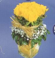 Gölbaşına çiçek , çiçekçi , çiçekçilik  Cam vazoda 9 Sari gül