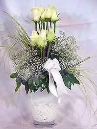 Gölbaşı ankara çiçek gönderme sitemiz güvenlidir  9 adet vazoda beyaz gül - sevdiklerinize çiçek seçimi