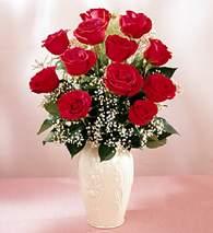 Gölbaşı çiçek kaliteli taze ve ucuz çiçekler  9 adet vazoda özel tanzim kirmizi gül