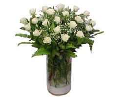 Ankara Gölbaşı internetten çiçek siparişi  cam yada mika Vazoda 12 adet beyaz gül - sevenler için ideal seçim