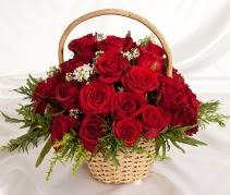 19 adet kırmızı gülden çiçek sepeti  Çiçekçi Gölbaşı çiçekçi mağazası