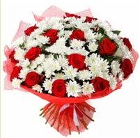 11 adet kırmızı gül ve beyaz kır çiçeği  Gölbaşı çiçek siparişi yurtiçi ve yurtdışı çiçek siparişi