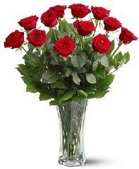 11 adet kırmızı gül vazoda  Gölbaşı çiçek yolla , çiçek gönder , çiçekçi