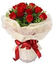 12 adet kırmızı gül buketi  Gölbaşına çiçek , çiçekçi , çiçekçilik