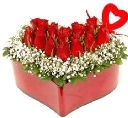 Kalp içerisinde 9 kırmızı gül kalp çubuk  Gölbaşı çiçek yolla , çiçek gönder , çiçekçi