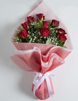 9 adet kırmızı gülden buket  Ankara Gölbaşı hediye sevgilime hediye çiçek