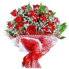 11 kırmızı gülden buket  Ankara Gölbaşındaki çiçekçiler ankara çiçek satışı