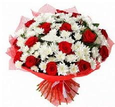11 adet kırmızı gül ve 1 demet krizantem  Gölbaşı çiçekçiler  çiçek siparişi sitesi