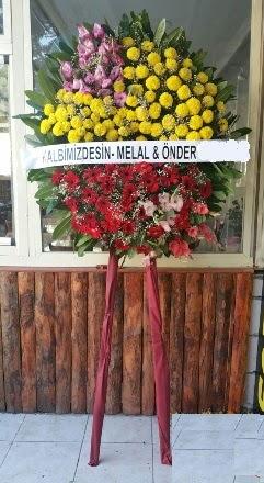 Gölbaşına çiçek , çiçekçi , çiçekçilik  Cenaze çiçek modeli