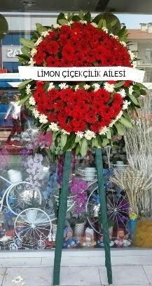 Cenaze çelenk çiçeği modeli  Çiçek yolla Gölbaşı internetten çiçek satışı
