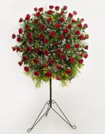 71 adet kırmızı gülden ferförje çiçeği  Gölbaşı çiçek kaliteli taze ve ucuz çiçekler