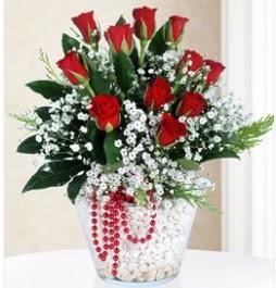 9 adet kırmızı gül cam içerisinde  Çiçekçi Gölbaşı çiçekçi mağazası