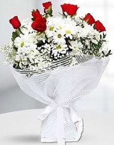 7 kırmızı gül ve papatyalar buketi  Gölbaşı çiçek siparişi yurtiçi ve yurtdışı çiçek siparişi