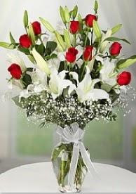 9 adet kırmızı gül 3 dal kazablanka  Ankara Gölbaşı çiçekçi uluslararası çiçek gönderme