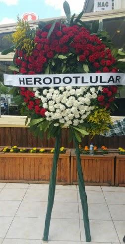 Cenaze çelengi cenazeye çiçek modeli  Ankara Gölbaşı hediye sevgilime hediye çiçek