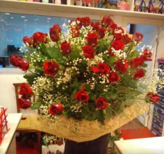 Kız isteme çiçeği buketi 33 gülden  Ankara Gölbaşı 14 şubat sevgililer günü çiçek