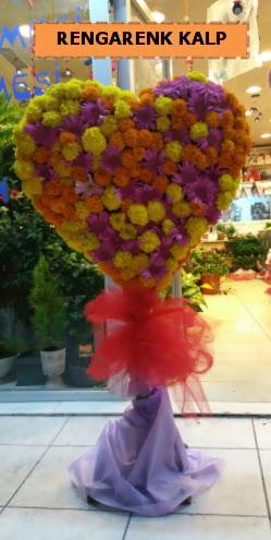 Ankara mevsim çiçeklerinden kalp perförje  Gölbaşı anneler günü çiçek yolla