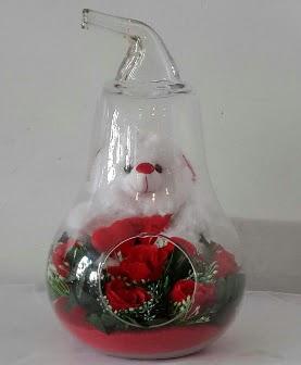 Orta boy cam armut Ayıcık ve yapay güller  Gölbaşı anneler günü çiçek yolla