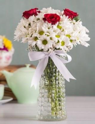 Papatya Ve Güllerin Uyumu camda  Gölbaşı çiçek gönder cicekciler , cicek siparisi