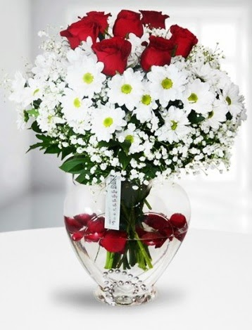 Kalp camda 7 gül kır çiçeği süper görsellik  Ankara Gölbaşı çiçekçi uluslararası çiçek gönderme