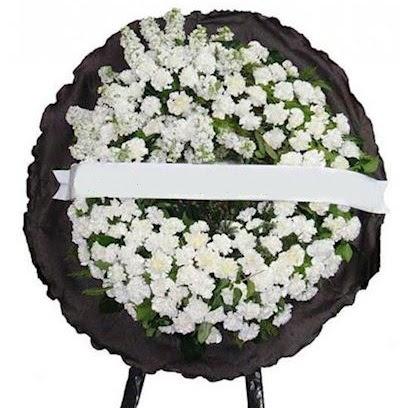 Cenaze çelengi çiçeği modelleri  Gölbaşı çiçek siparişi yurtiçi ve yurtdışı çiçek siparişi