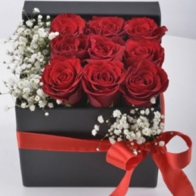 Kutu içerisinde 9 adet kırmızı gül  Gölbaşı çiçekçi güvenli kaliteli hızlı çiçek