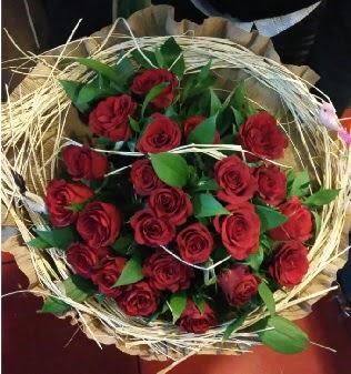 Kuş yuvalı kız isteme buketi 21 adet gül  Gölbaşı çiçek yolla , çiçek gönder , çiçekçi