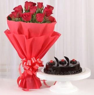10 Adet kırmızı gül ve 4 kişilik yaş pasta  Gölbaşı çiçek siparişi yurtiçi ve yurtdışı çiçek siparişi