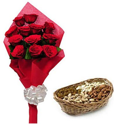 11 adet kırmızı gül ve sepette kuruyemiş  Gölbaşı çiçek siparişi yurtiçi ve yurtdışı çiçek siparişi
