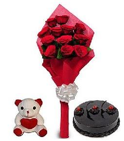 9 adet gül 20 cm civarı ayıcık ve yaş pasta  Gölbaşı çiçek kaliteli taze ve ucuz çiçekler