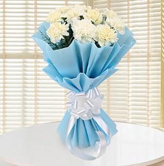 19 adet beyaz karanfil buketi  Ankara Gölbaşı hediye sevgilime hediye çiçek