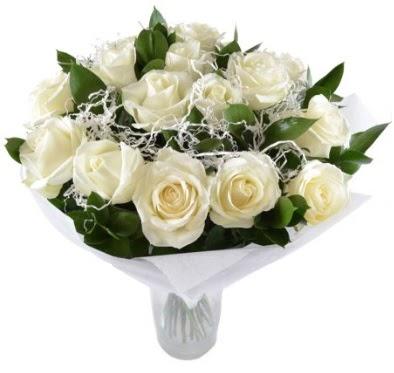 15 beyaz gül buketi sade aşk  Ankara Gölbaşı hediye sevgilime hediye çiçek