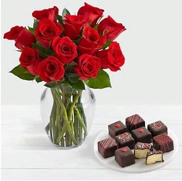 Cam vazoda 12 kırmızı gül el yapımı çikolata  Gölbaşı çiçek gönder cicekciler , cicek siparisi