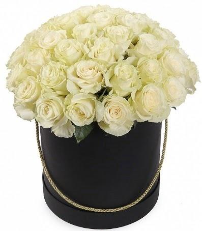 33 adet beyaz gül özel kutuda isteme çiçeği  Gölbaşı çiçek siparişi yurtiçi ve yurtdışı çiçek siparişi