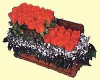 Gölbaşı anneler günü çiçek yolla  Sandikta 13 adet güller